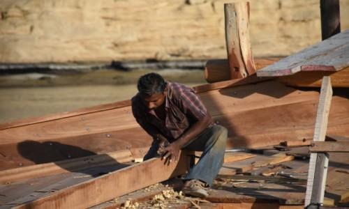 Zdjecie OMAN / Sur / Sur / Budując tradycyjny statek dhow