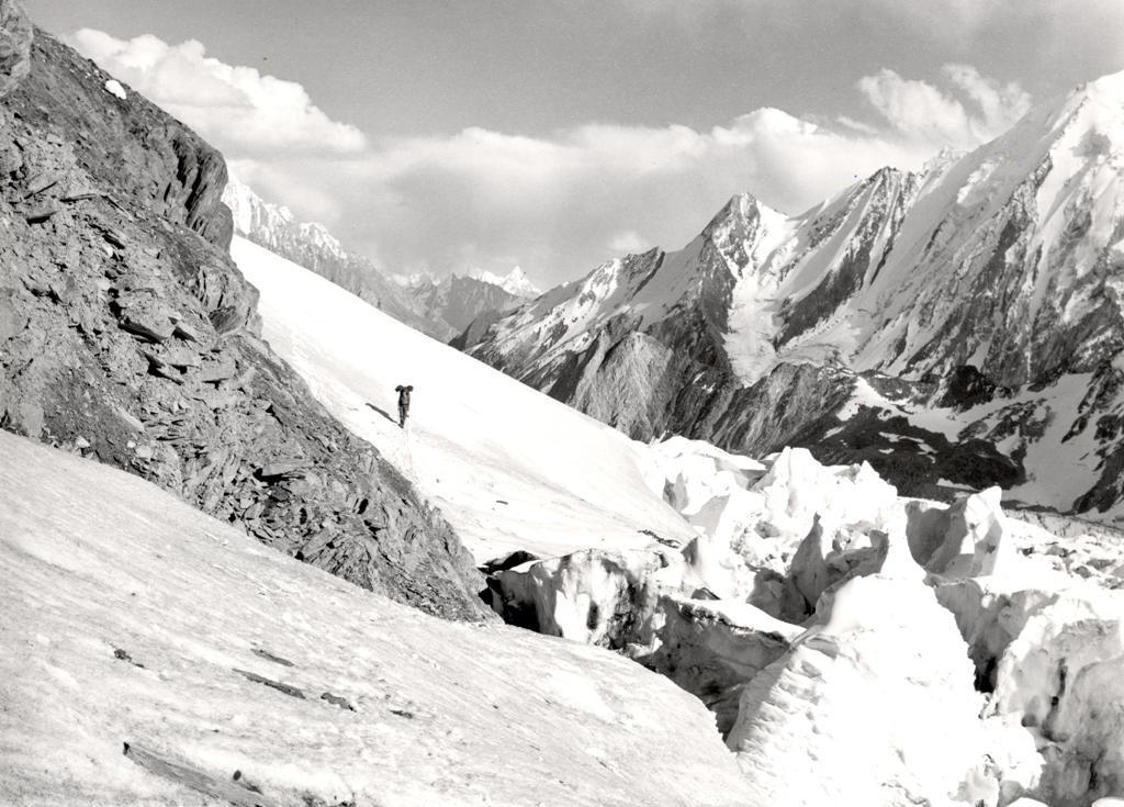 Zdjęcia: lodowiec chogolungma, dolina shigar, Malubiting, PAKISTAN