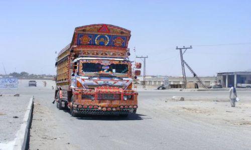 Zdjecie PAKISTAN / Beloczystan / Taftan / Pakistan (Beloczystan) - kraina broni i narkotyków.