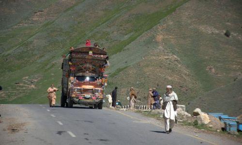 Zdjecie PAKISTAN / - / na drodz� do Babusar Pass / brak