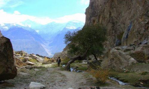 Zdjęcie PAKISTAN / Hunza / Hunza / Spacer