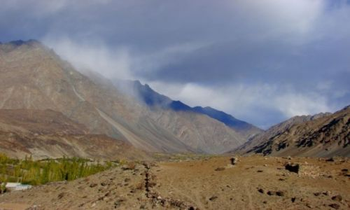 Zdjęcie PAKISTAN / Hunza / Hunza / Deszcz