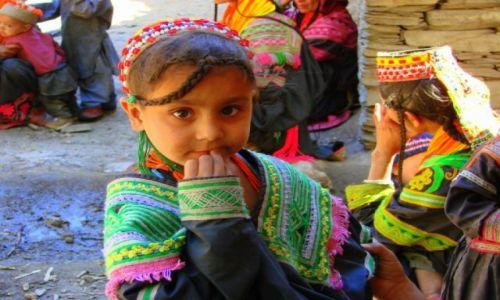 Zdjęcie PAKISTAN / Bumburet / Bumburet / Ktoś ty