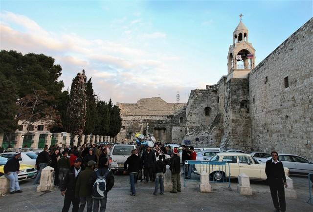 Zdjęcia: Przed Bazyliką Narodzenia, Betlejem, Boże Narodzenie 2007, PALESTYNA