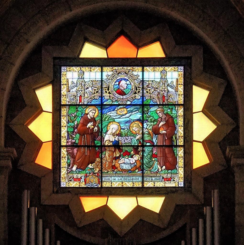 Zdjęcia: ., Betlejem, Kościół św. Katarzyny, witraż nad ołtarzem, PALESTYNA