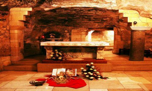 Zdjęcie PALESTYNA / Galilea / Nazaret Bazylika Zwiastowania Pańskiego / Ołtarz w grocie
