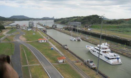 Zdjęcie PANAMA / - / Panama / śluza na Kanale panamskim