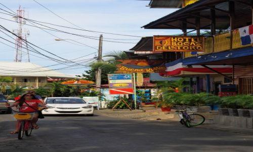 Zdjecie PANAMA / Bocas del toro / Bocas Town / kolorowo i drewnianie
