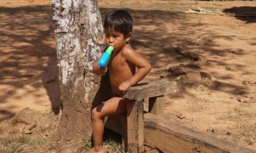 Zdjęcie PANAMA / Park Narodowy Chagres / Park Narodowy Chagres / Zamiast kubka - pistolet