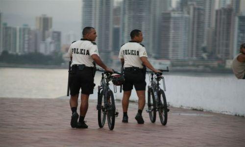Zdjecie PANAMA / brak / Panama City Plac Francuzki / Zroweryzowana panamska policja turystyczna 1