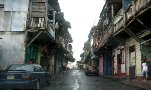 Zdjecie PANAMA / Panama City / brak / Typowa panamska uliczka...