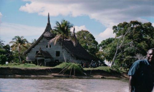 Zdjęcie PAPUA NOWA GWINEA / AUSTRALIA I OCEANIA / RZEKA SEPIK I KARAWARI / PAPUA NOWA GUINEA - EKSPEDYCJA PO RZECE SEPIK I JEJ DORZECZACH