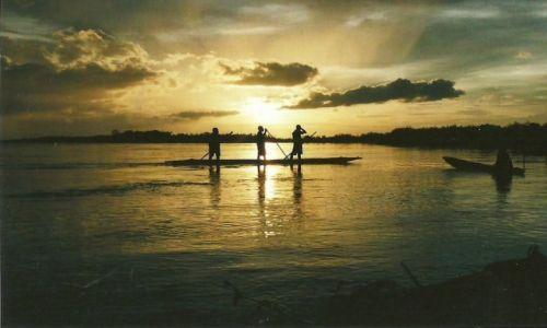 Zdjęcie PAPUA NOWA GWINEA / Sepik / Okolice Kaminabit / Impresja na zachód słońca