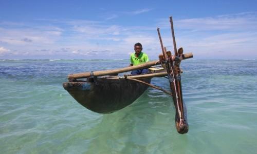 Zdjęcie PAPUA NOWA GWINEA / Milne Bay / Alotau / na fali