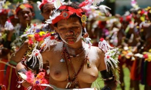 PAPUA NOWA GWINEA / trobriand Islands / Kirivina / Festival