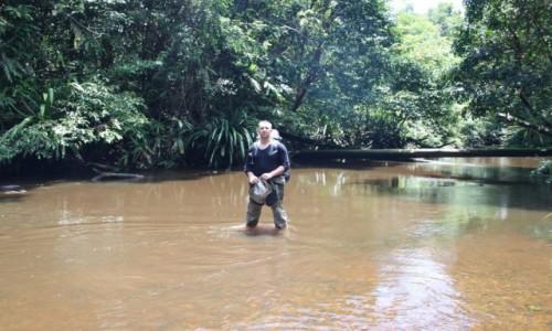 Zdjecie PAPUA NOWA GWINEA / Sungai Brazze / gdzieś  w dżungli / Papua Wodę pije się poprostu z rzeki