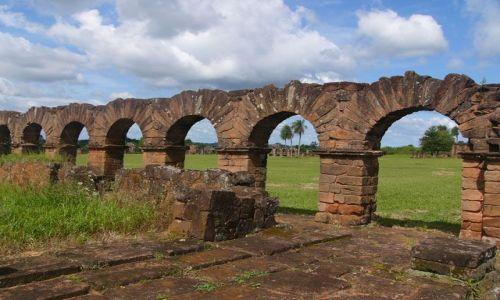 PARAGWAJ / Trynidad / mala osada / Ruiny misji