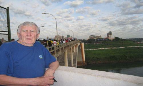 PARAGWAJ / Brazylia -Paragwaj / Na moście przyjażni / Most przyjażni