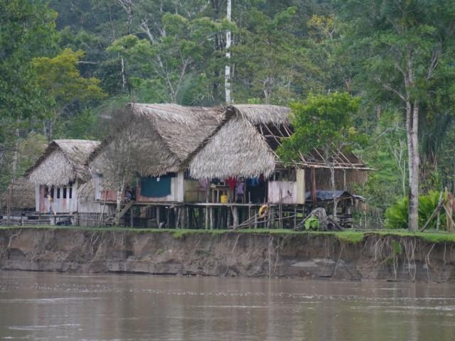 Zdjęcia: Pogranicze, Pograniczze, Wioska nad brzegiem Rio Napo, PERU