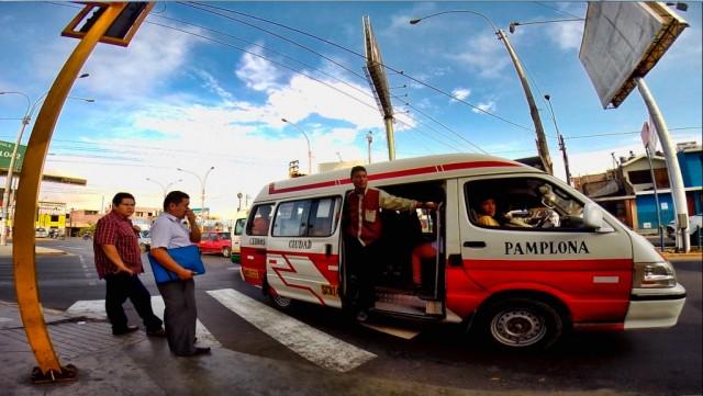 Zdjęcia: lima, Lima, Peruwiański el cobrador w akcji, PERU