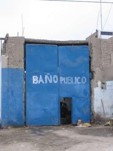 Zdj�cia: Pisco, Pisco, �a�nie publiczna, PERU