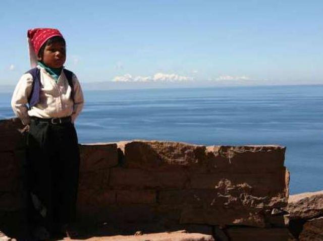 Zdjęcia: Wyspa Tequilla, Jezioro Titicaca, Chłopiec, jezioro, Andy, PERU