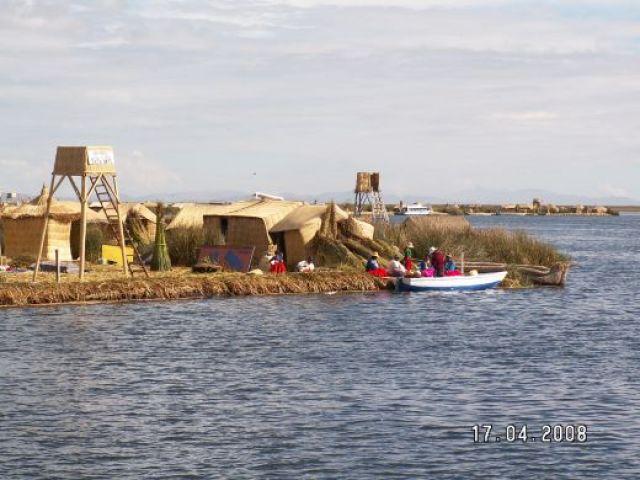 Zdj�cia: Jezioro Titicaca, P�ywaj�ce wyspy  na Jeziorze Titicaca, PERU