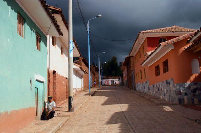 Zdj�cia: M.PISCO, : CISZA PRZED BURZ�:, PERU