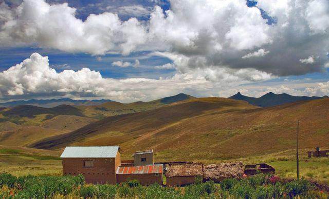 Zdj�cia: okol.wioski Chucoito, -Przed grnic� z Boliwi�, Z cyklu ....w drodze, PERU