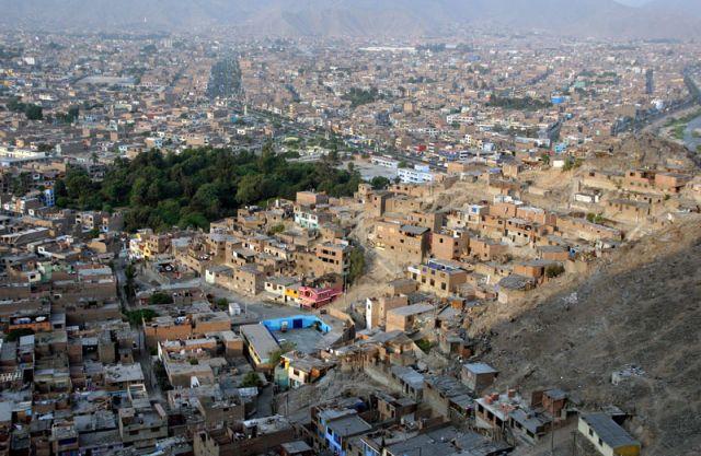 Zdjęcia: LIMA, Dzielnica nędzy, Fabloki, PERU