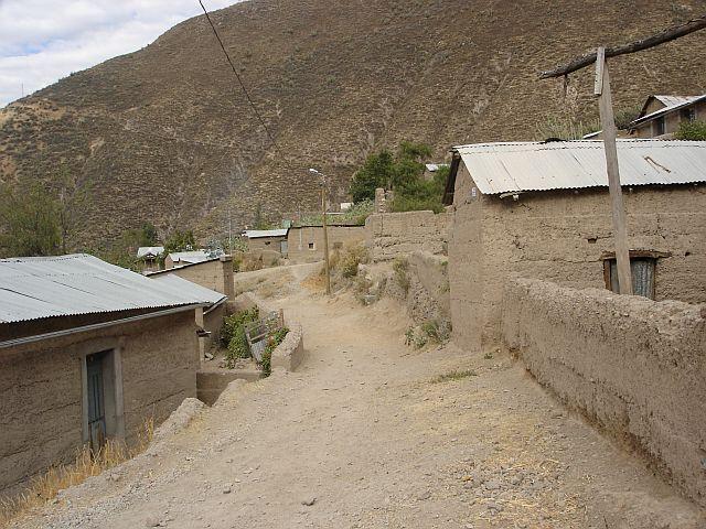 Zdjęcia: Canion Colca, JEDNA Z WIOSEK W CANIONIE, PERU