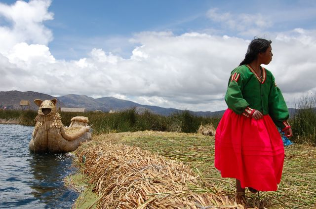 Zdjęcia: pływająca wyspa, Tititaca, Indianka, PERU