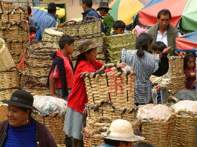 Zdjęcia: Huaraz, Andy, Kordyliera Biała, Na targu, PERU