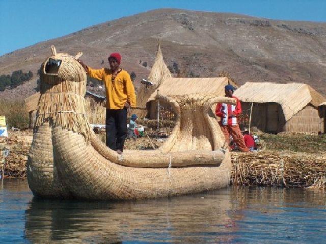 Zdjęcia: Jezioro Titicaca, Altiplano, Łódź z trzciny totora, PERU