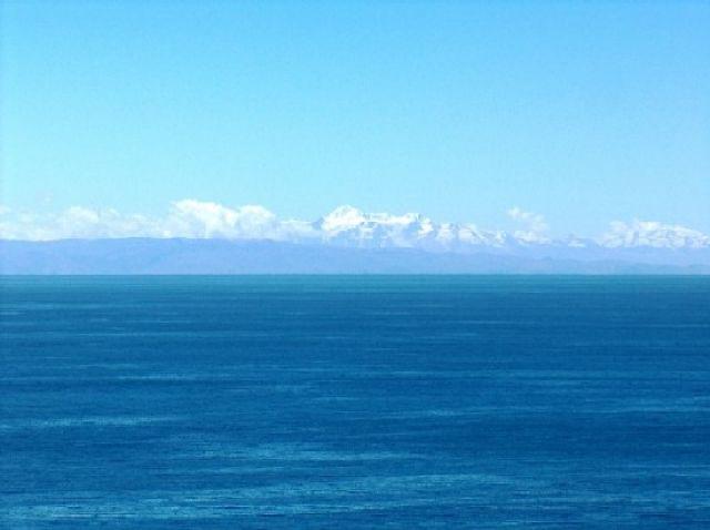 Zdjęcia: Jezioro Titicaca, Altiplano, Cordillera Real widoczna z Wyspy Taquile, PERU