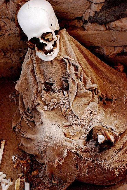 Zdjęcia: cmentarzysko Chauchilla, Nazca, , Mumia z Chauchilla, PERU