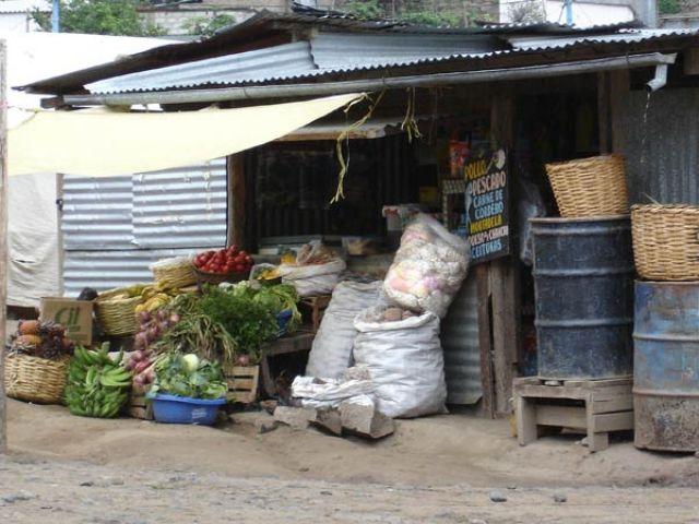 Zdjęcia: Santa Maria, Stragan z warzywami i owocami, PERU