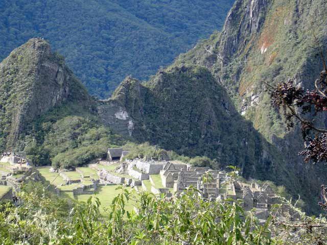 Zdjęcia: Machu Picchiu, Widok na ruiny i Wayna Picchu z drogi do Bramy Slonca, PERU