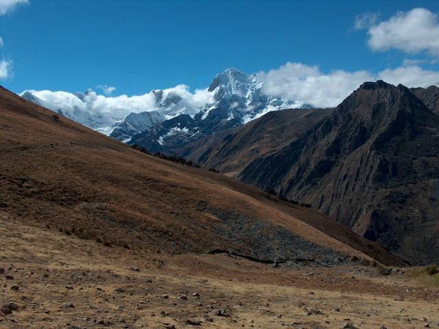 Zdjęcia: Przełęcz Pampa, Cordillera Huayhuash, Widok z przełęczy Pampa na szczyt Yerupaja, PERU