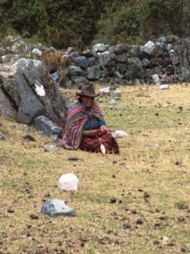 Zdjęcia: Dolina Vaqueria, Cordillera Blanca, Przędzenie wełny, PERU