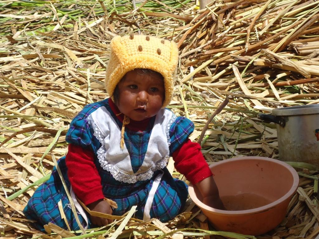 Zdjęcia: Wyspy Uros, Puno, Dzieci na Uros, PERU