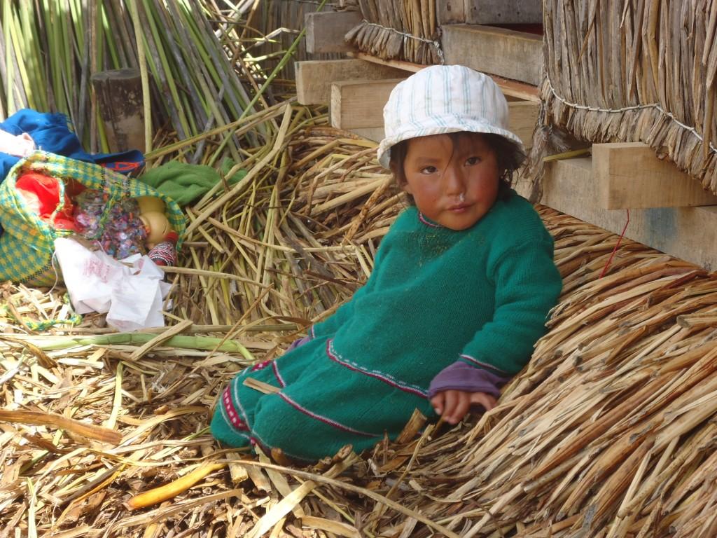 Zdjęcia: Wyspy Uros, Puno, Dzieci na Uros (2), PERU