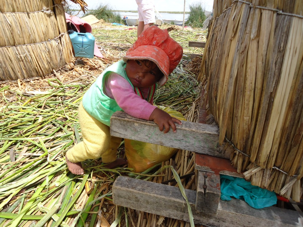 Zdjęcia: Wyspy Uros, Puno, Dzieci na Uros (3), PERU