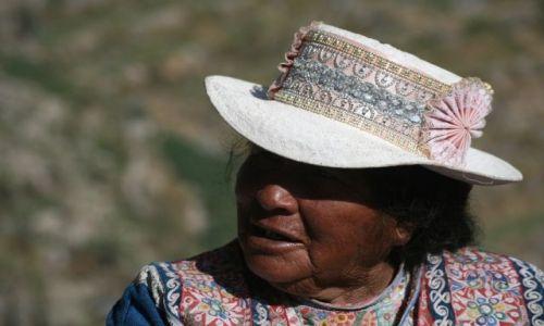 Zdjęcie PERU / Canion Colca / Yanque / Kobieta w kapeluszu