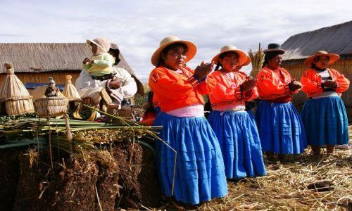 Zdjęcie PERU / Puno / Wyspy Uros / Szła dzieweczka do laseczka ..... lalalalalaaaa