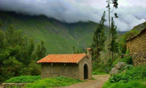 Zdjęcie PERU / Ollantayambo / Ollantayambo / Wiejski  kościółek