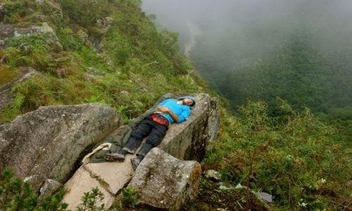Zdjecie PERU / Machu Picchu / Machu Picchu / Senność  w  każdym  miejscu