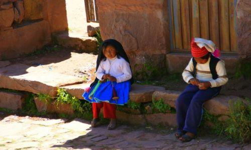 Zdjecie PERU / Titikaka / Titikaka / Maluchy