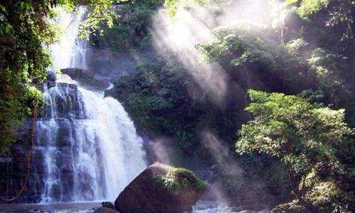 PERU / central selva / pn od Yurinaki, dep. Junin / Catarata Bayoz