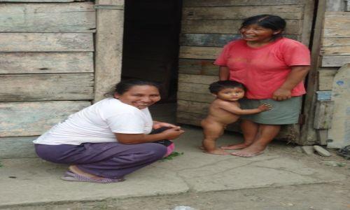 Zdjęcie PERU / Madre de Dios / Pilcopata / Indiańska rodzina